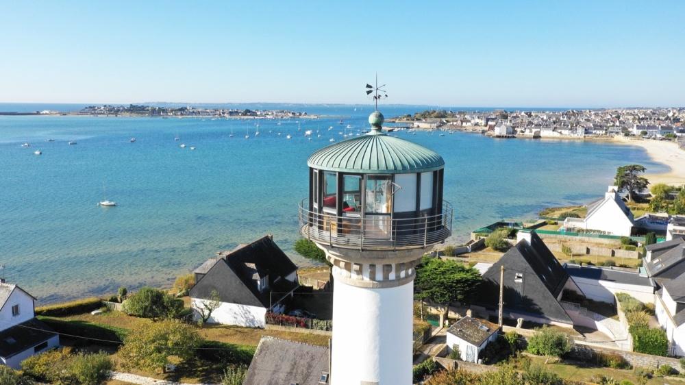 Phare de Kerbel à Riantec, Demeures Marines - vue sur la mer de Gâvres (Morbihan)