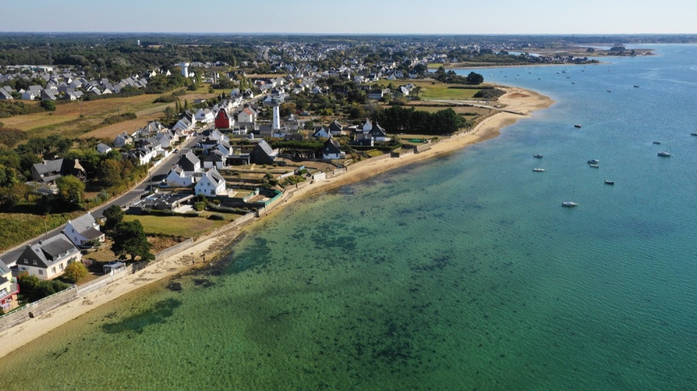 Phare de Kerbel à Riantec, vue aérienne, Demeures Marines (Morbihan)