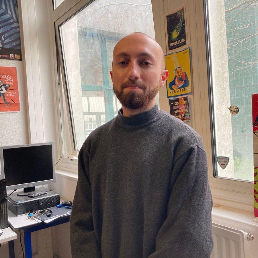 Alban, stagiaire pour Radio LarG' - La Radio du Golfe à Vannes