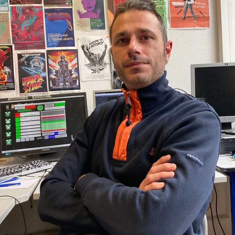 Erwan vice-président de Radio LarG' - La Radio du Golfe et programmateur