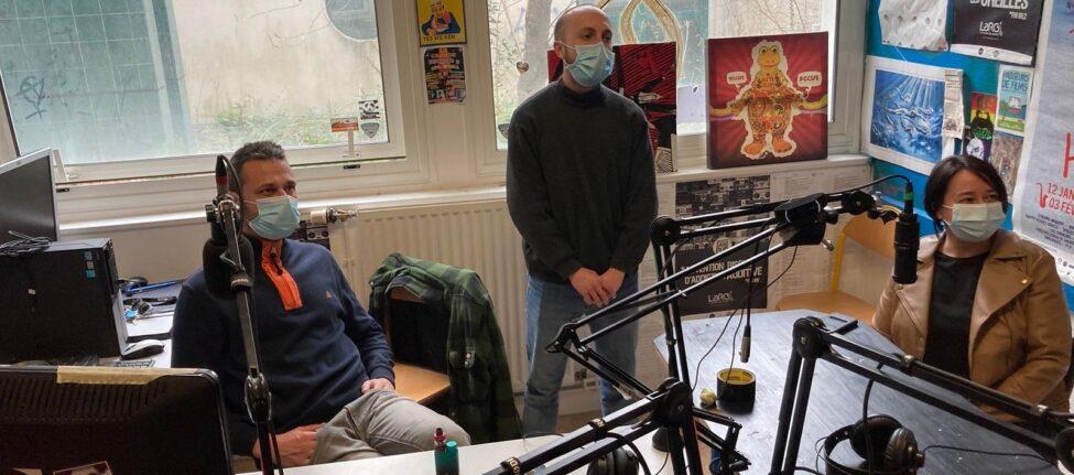 Dans le studio de Radio LarG' - La Radio du Golfe à Vannes