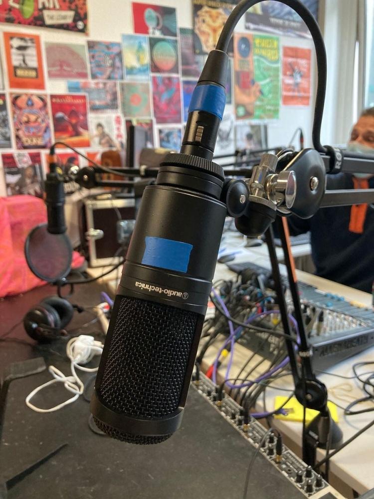 Studio de Radio LarG' - La Radio du Golfe avant une émission diffusée en direct sur Twitch